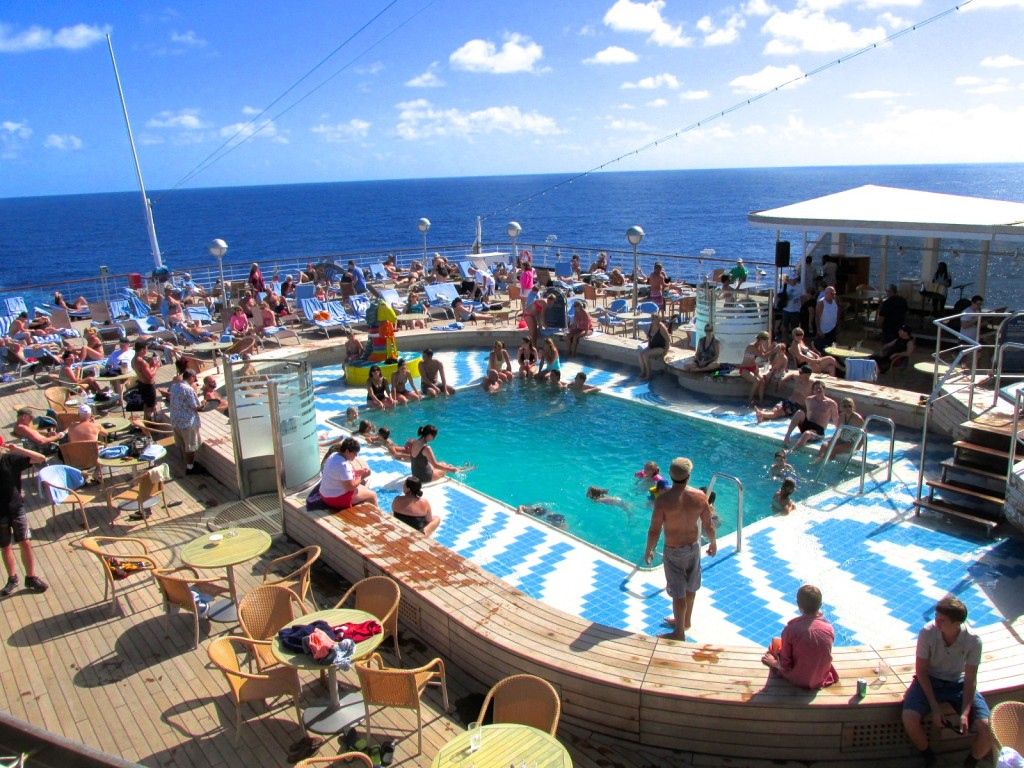 15.01.08 At Sea Day on Lido Deck Pool