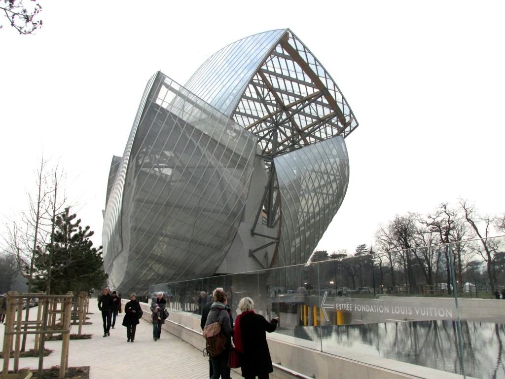 15.02.18 Vuiton Museum Exterior 5