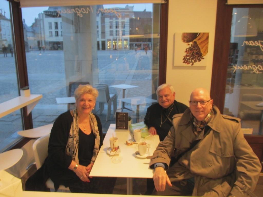 15.02.19 Amiens Cecilia Singer at Cafe