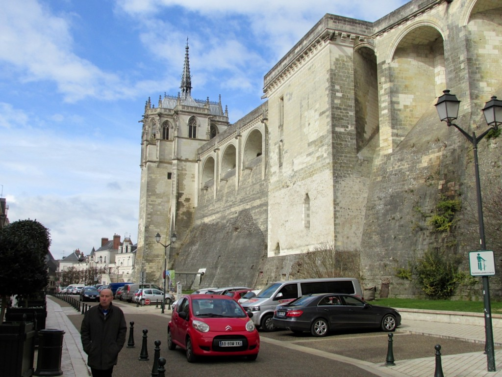 15.02.24 Amboise Chateau Wall from Town