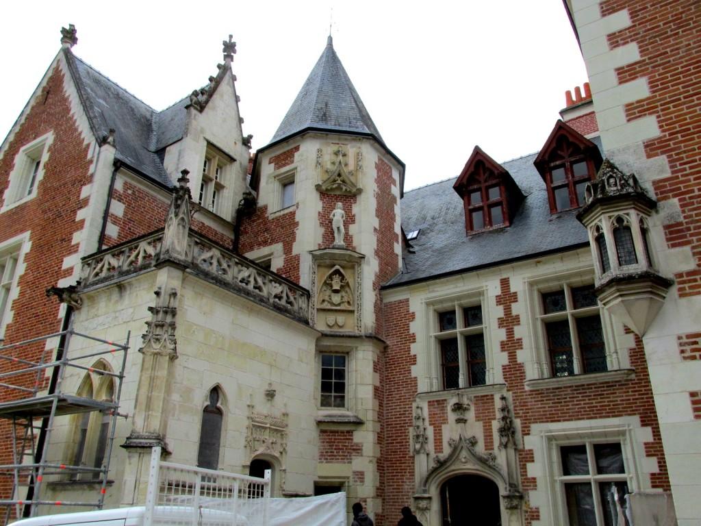 15.02.24 Chateau Clos Lucé 1 Entrance