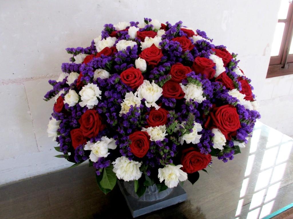 15.02.24 Chenonceau Gallary Flower Arrangement