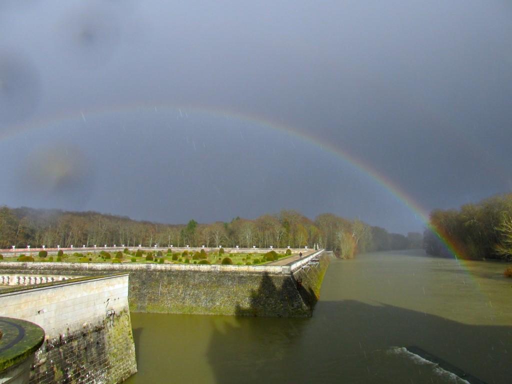 15.02.24 Chenonceau Garden Rainbow