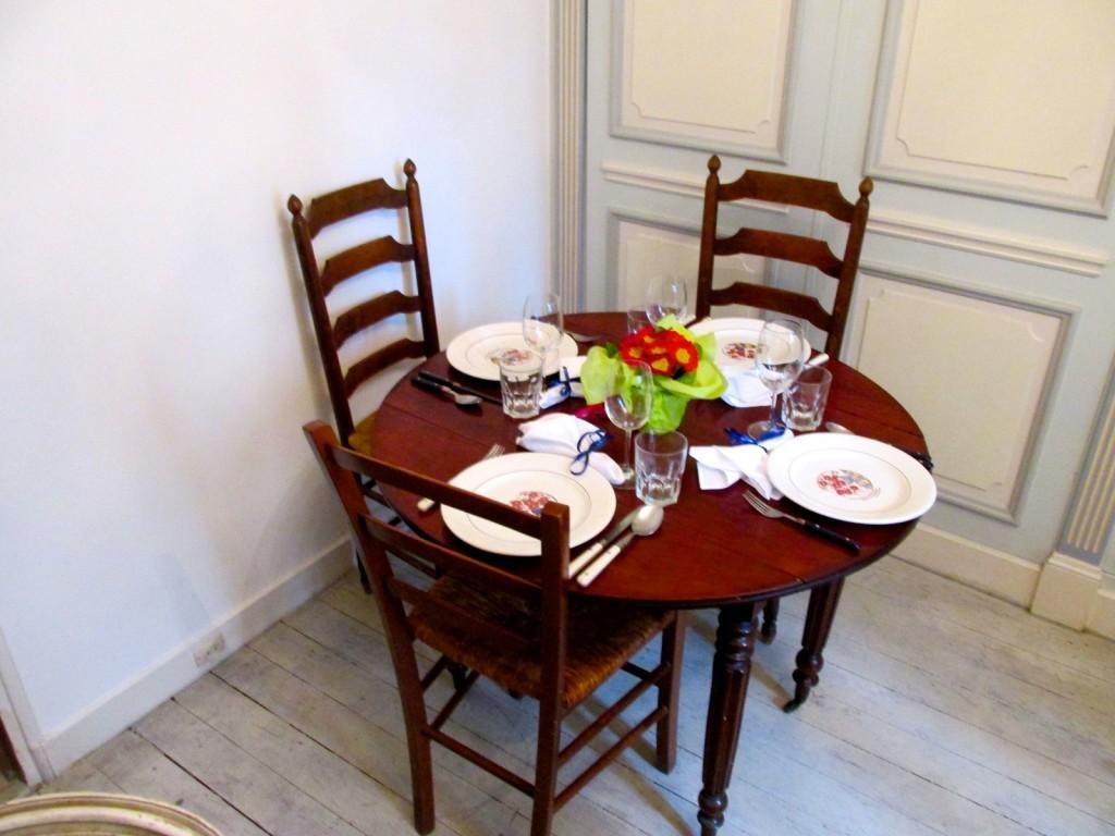 15.02.25 Paris Dinner Table Set
