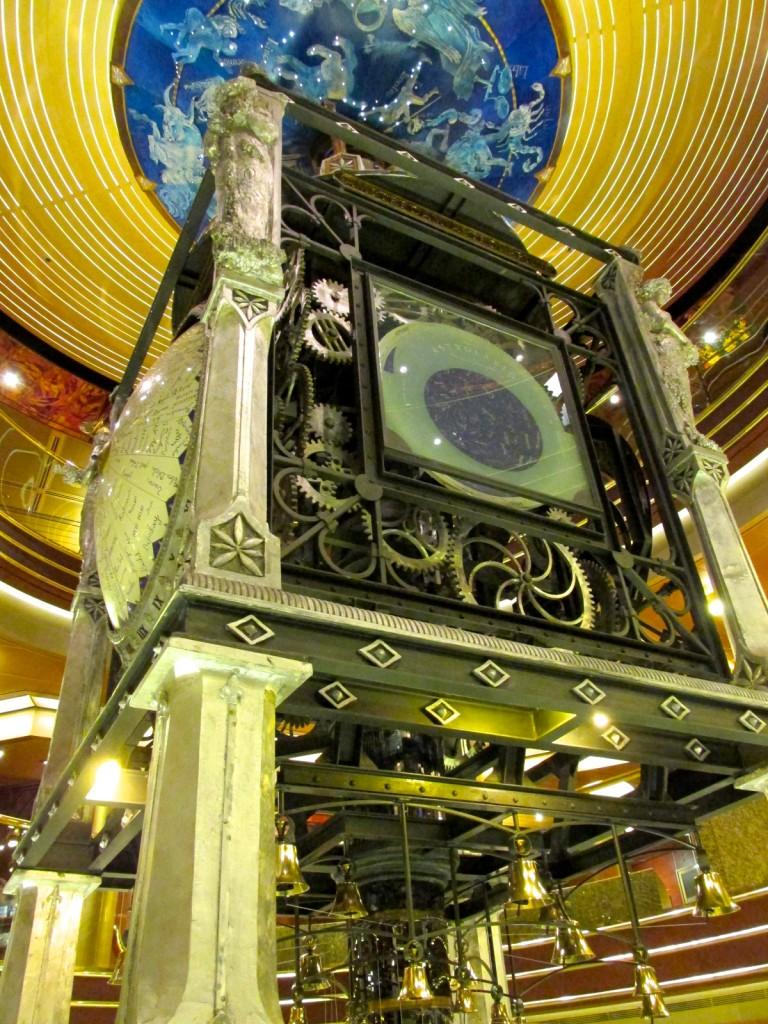 06:10:15 Amsterdam Astro Clock Atrium